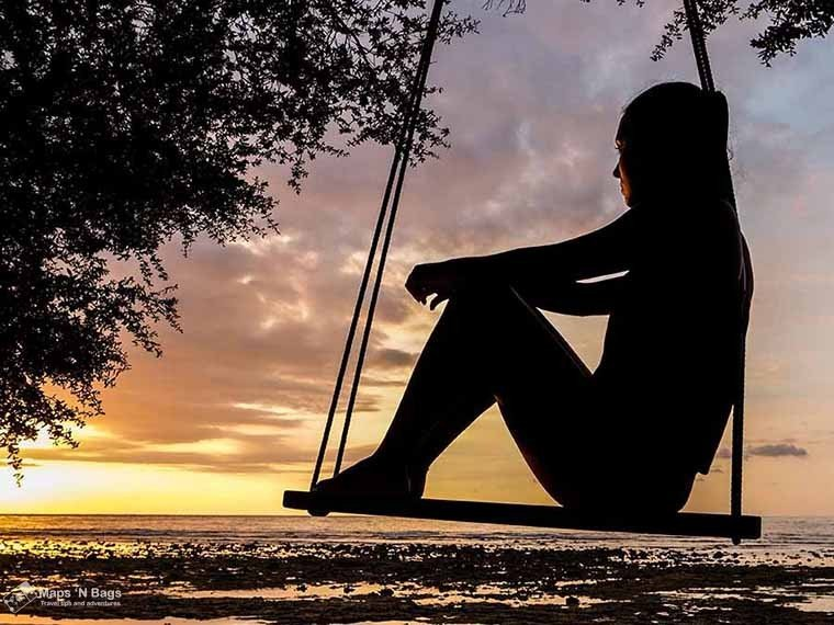 silhouette-girl-swing-find-wanderlust