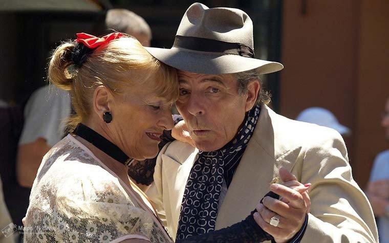 couple-dancing-tango-3-days-buenos-aires