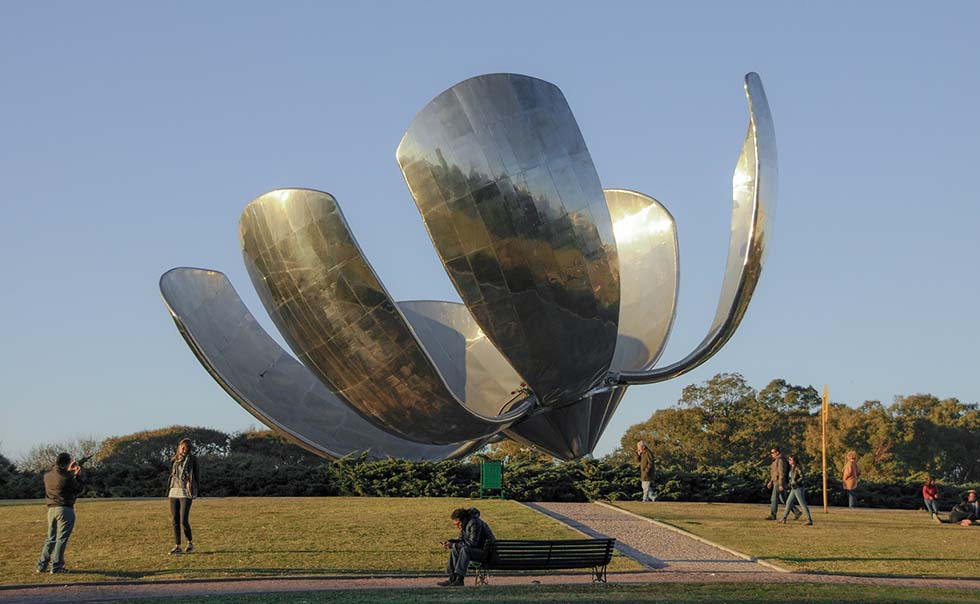 Iron sculpture of a flower on a park in Buenos Aires.