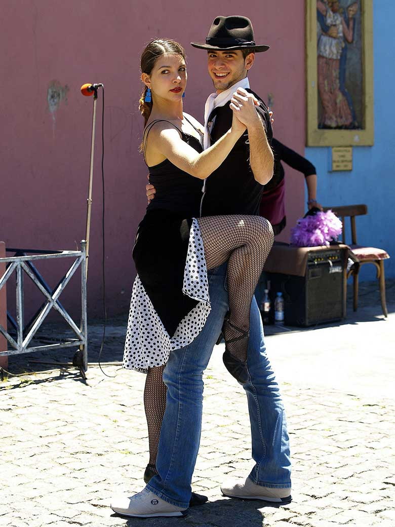 Couple dancing tango on the streets of Buenos Aires.