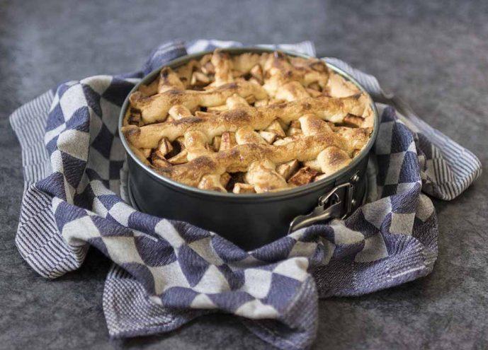 Traditional Dutch Food, apple pie