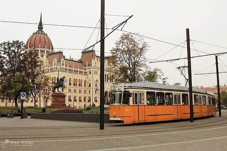 Header-yellow-tram-parliament-budapest-Public-transport