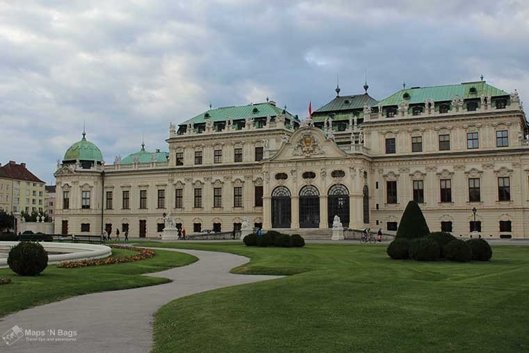 beige-palace-belvedere-things-to-do-vienna