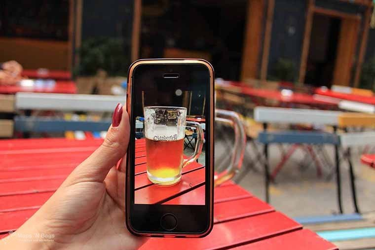 photo-beer-phone-red-table-ruin-pub-budapest