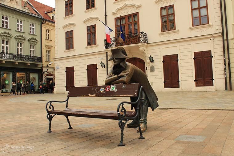 statue-bench-bratislava-things-to-do