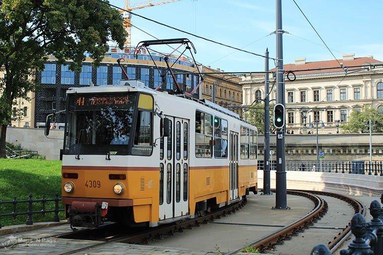 yellow-tram-rail-budapest-Public-transport