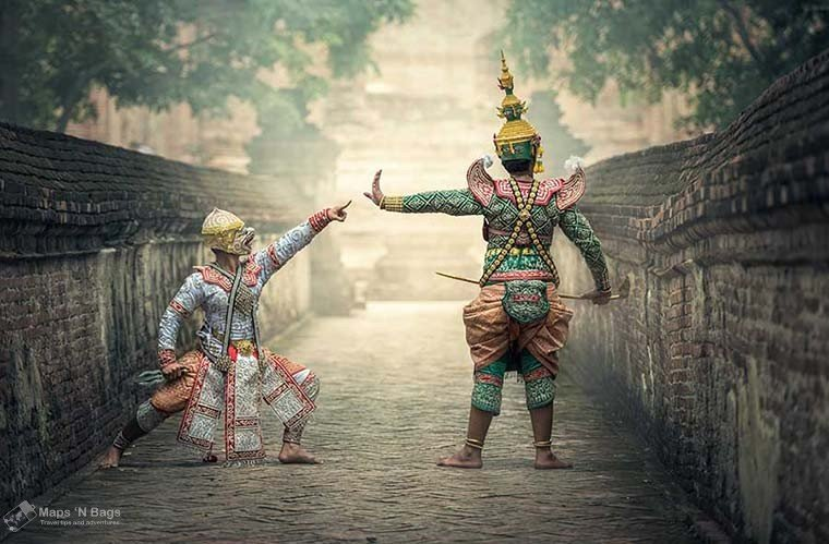 asian-costume-reasons-love-to-travel