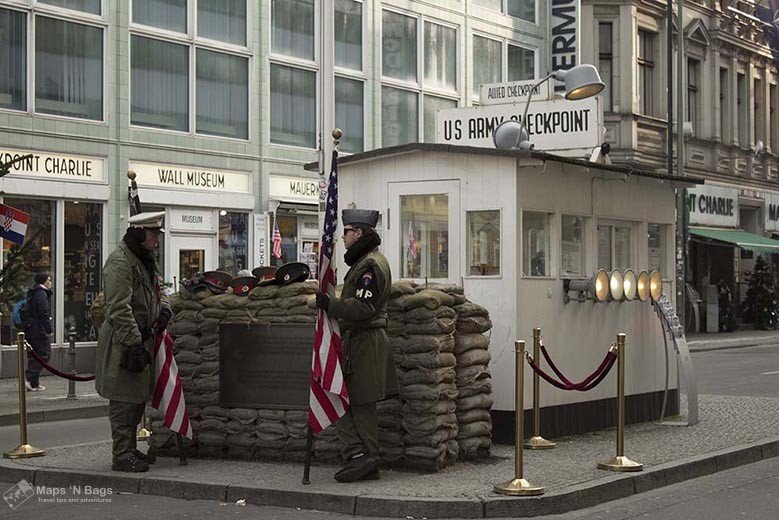 checkpoint-charlie-soldiers-the-berlin-of-the-second-world-war