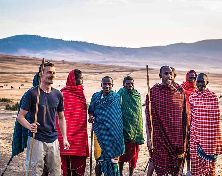 men-colorful-clothes-tribe-reasons-love-to-travel