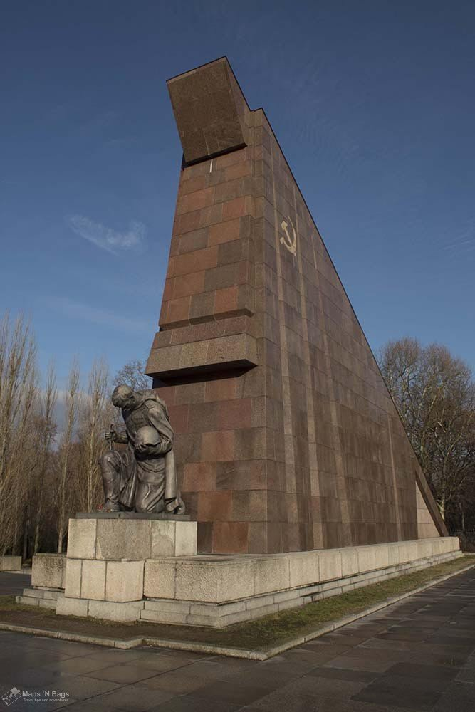 soviet-memorial-gate-treptower-park-the-berlin-of-the-second-world-war