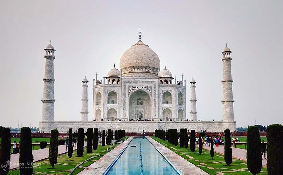 white-building-taj-mahal-reasons-love-to-travel