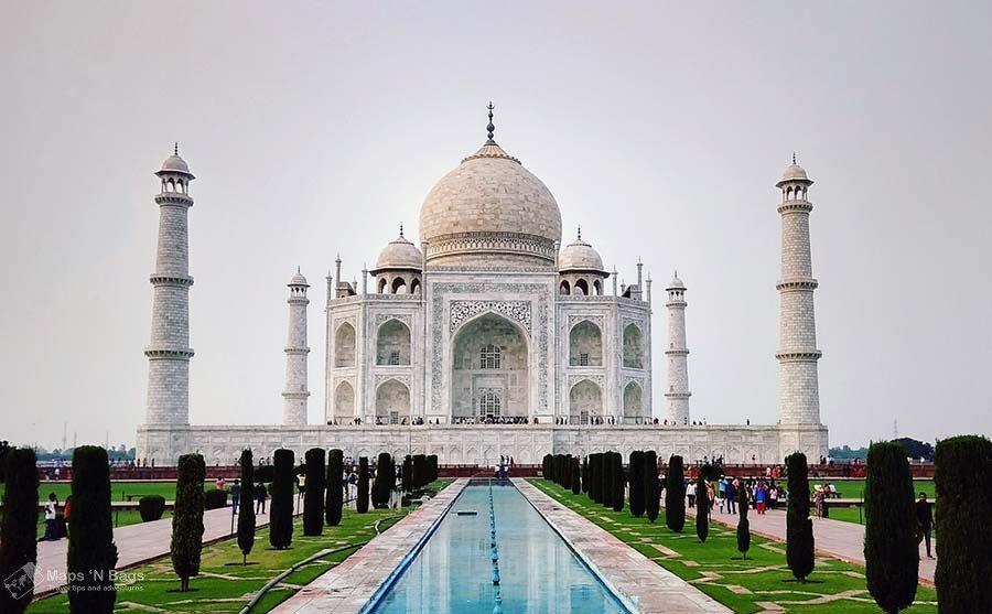 white-building-taj-mahal-reasons-love-to-travel