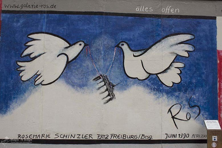 white-pigeons-berlin-wall-things-to-do-in-berlin
