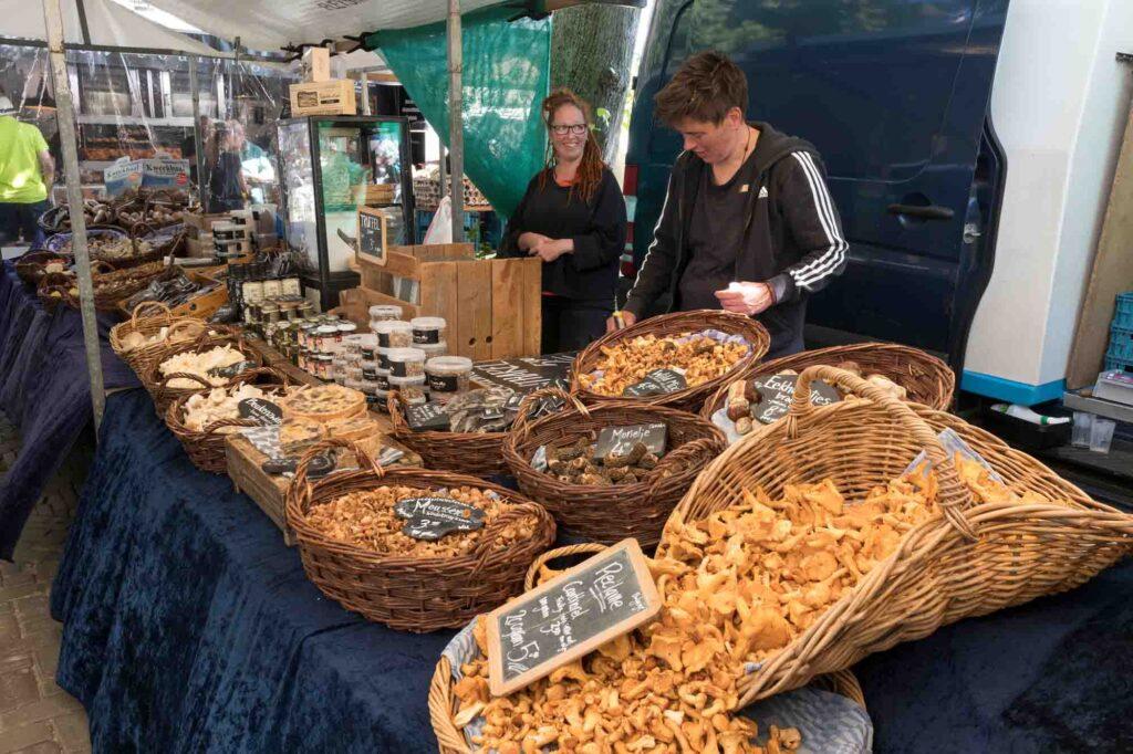 Noordermarkt is a farmer's market in Amsterdam