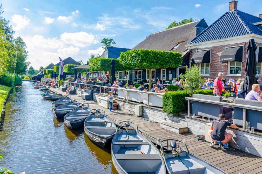 Restaurants along canal in Giethoorn