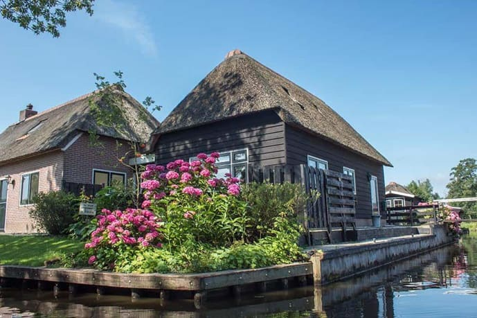 Giethoorn is an excellent day trip from Amsterdam in the winter