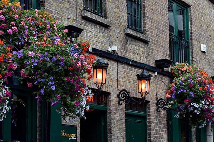 Include Dublin pubs in your 2 days in Dublin itinerary