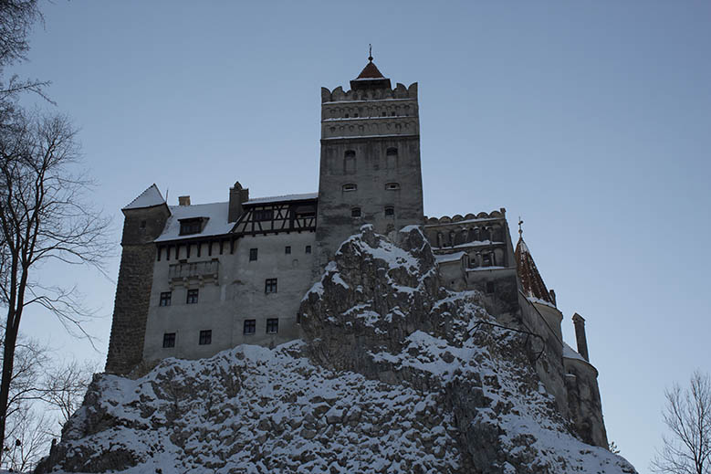 Have you ever wondered what the castle of the most famous vampire in the world is like? I had no idea of what to expect, but this tour exceeded any expectations I could possibly have. Read more about the Bran Castle Tour and embark on this journey to the medieval times! #Romania #DraculaCastle #BranCastle #Brasov #PelesCastle #Transylvania #Castle #Europe #travel