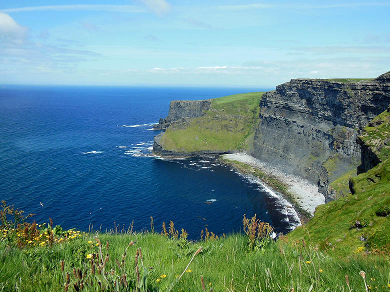 Sunny day at the Cliffs of Moher, Ireland #Ireland #CliffsofMoher #Europe #Travel