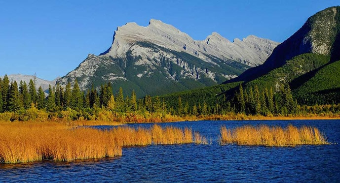 Vermilion lakes trail is one of the best hikes in Banff