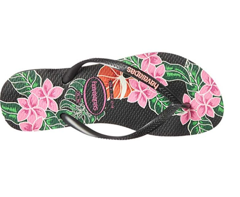 Floral flip flops havaianas for showing in hotels.