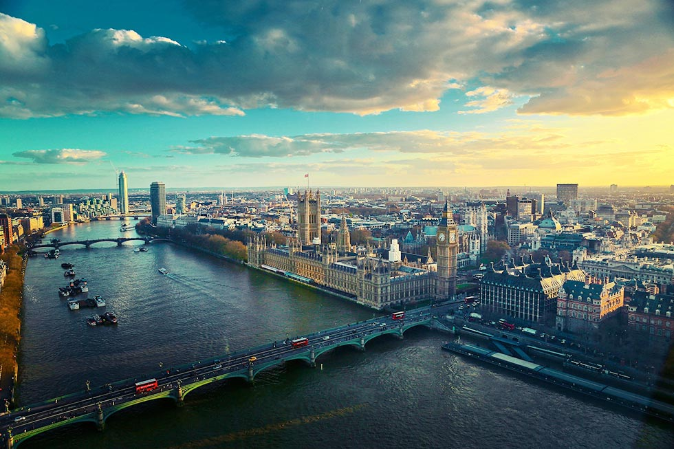 Aerial photo of the Thames River and the Big Ben in London