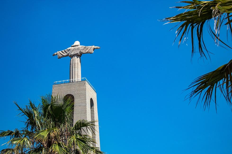 Cristo Rei statue in Lisbon #Portugal #travel #Europe