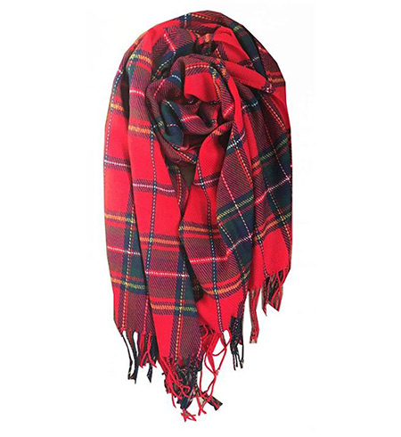 Red lattice scarf that women wear in Ireland
