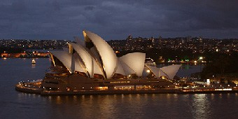 Night shot of the Sydney Opera House