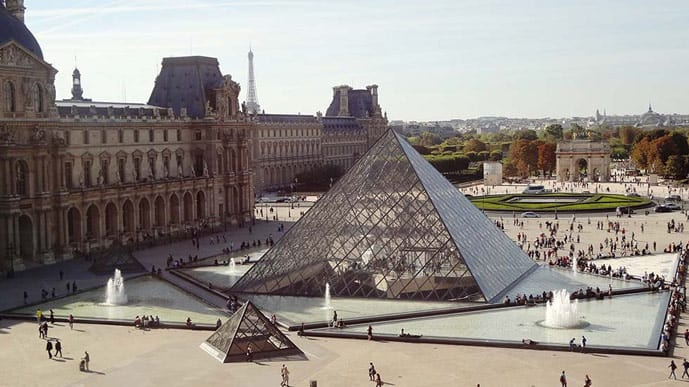 What to do in Paris in 4 days, visit the Louvre Museum