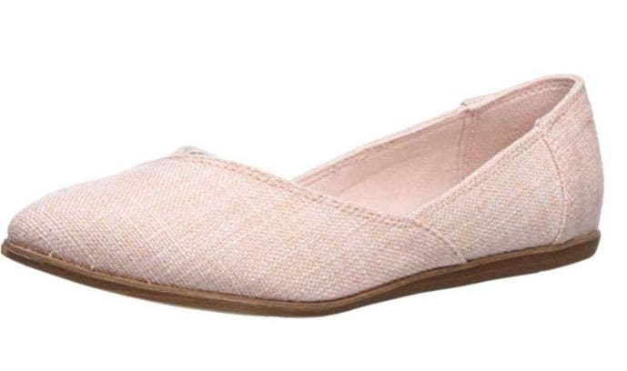 TOMS flats should be in every female packing list