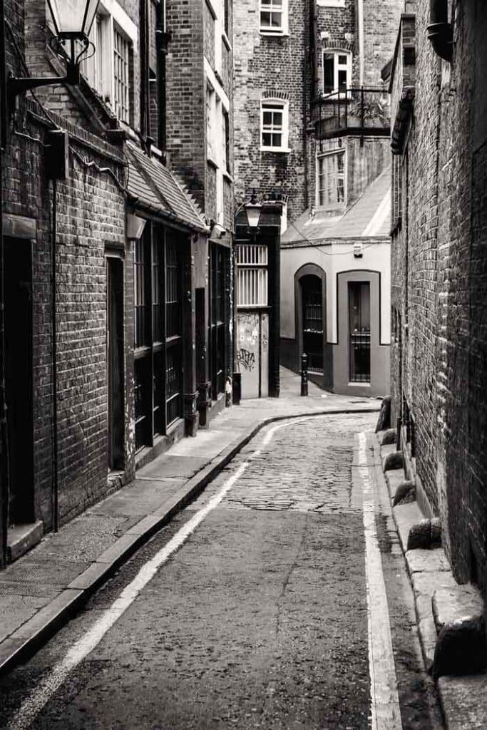 Passage near Whitechapel where Jack Ripper was