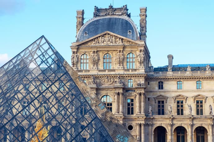 2 days in Paris, visit the Louvre Museum
