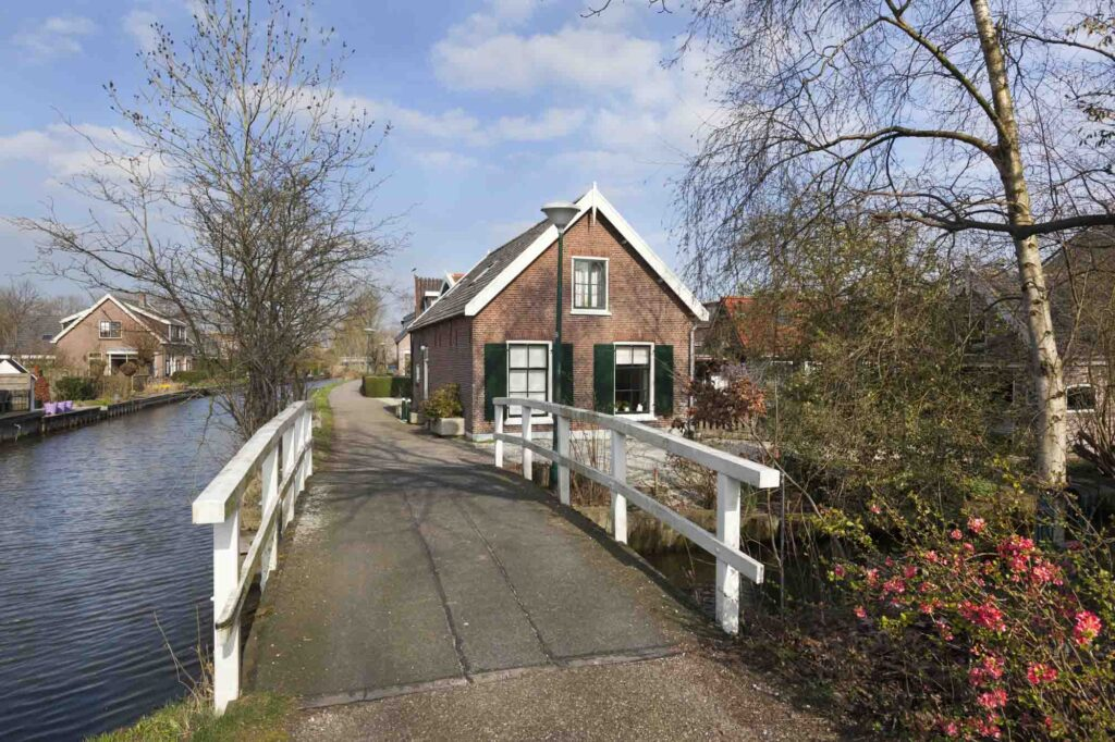 Linschoten is one of the cute Dutch villages