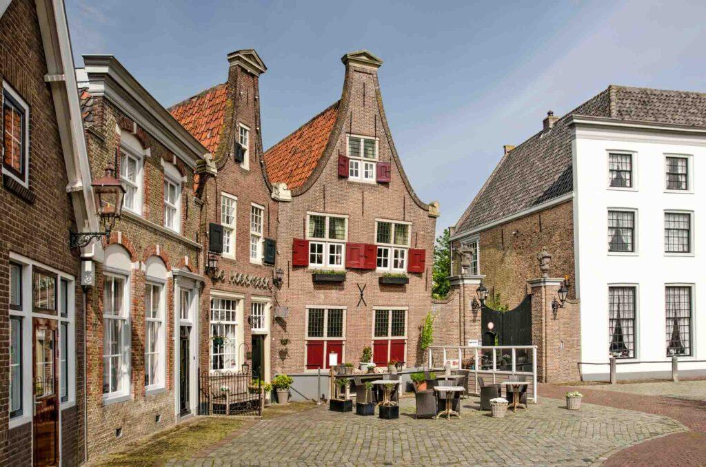 Heenvliet is one of the cutest Dutch villages